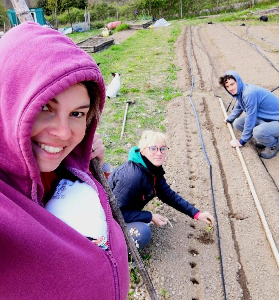 Agricoltura-la-spezia-coltivazione-verdure-fresche-nuovi-membri-staff